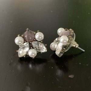 Francesca's purple/pearl studs
